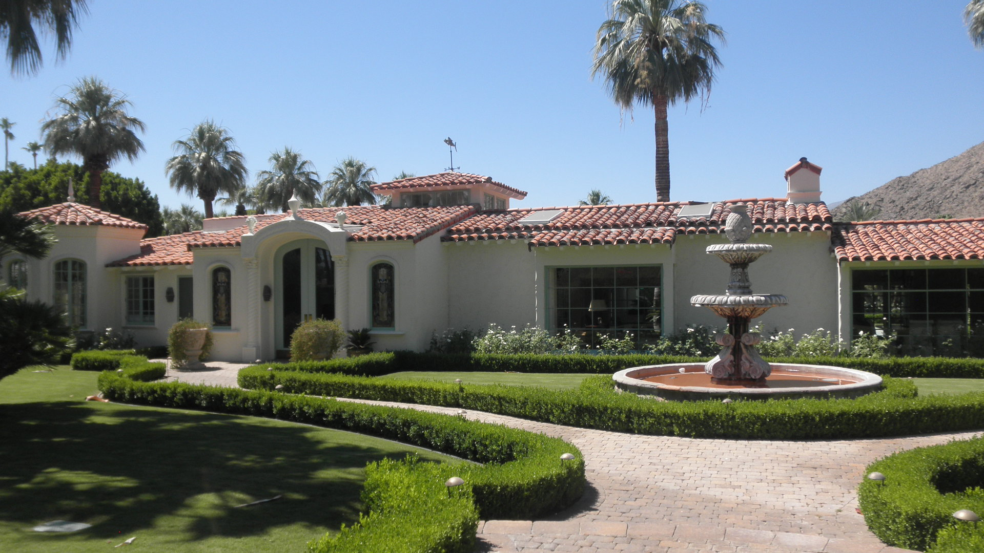 Olympus digital camera palm springs celebrity homes for Palm spring houses for sale